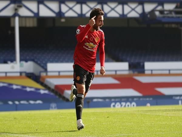 Bruno Fernandes lọt top cầu thủ xuất sắc nhất thế giới