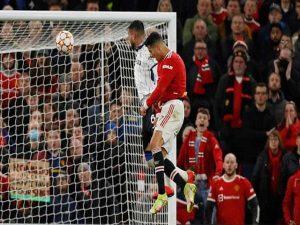 Tin bóng đá 21/10: Ronaldo lại vượt Messi ở cuộc đua cá nhân